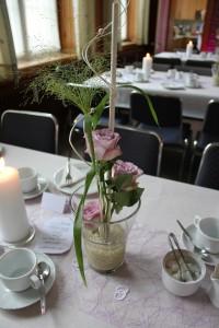 Tischreihe geschmückt